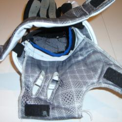 Warrior Hundy Lacrosse Gloves - The internal padding folded out for drying.