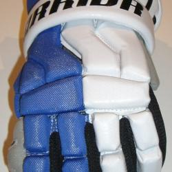 Warrior Hundy Lacrosse Gloves - Each finger slot has tabs for more protection.