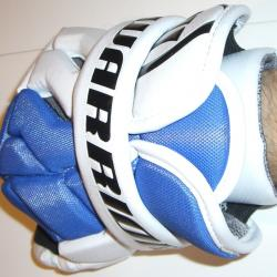 Warrior Hundy Lacrosse Gloves - Your wrist is well protected.